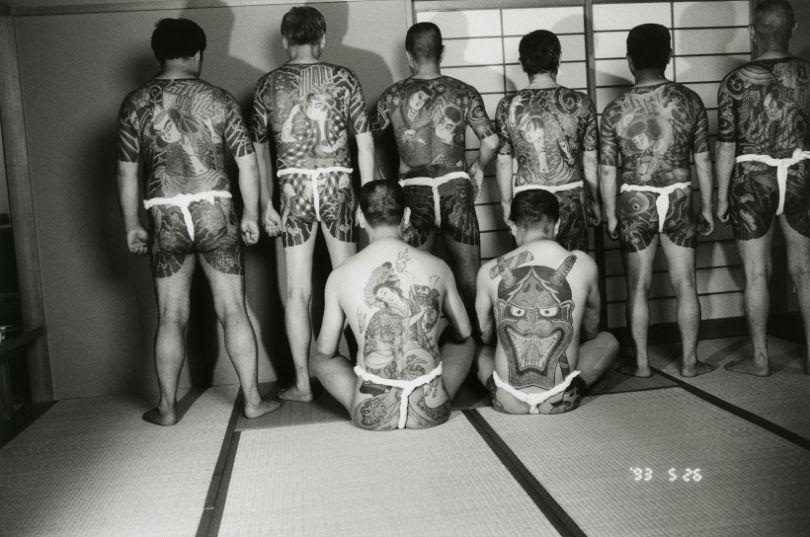 Hommes nus tatoués