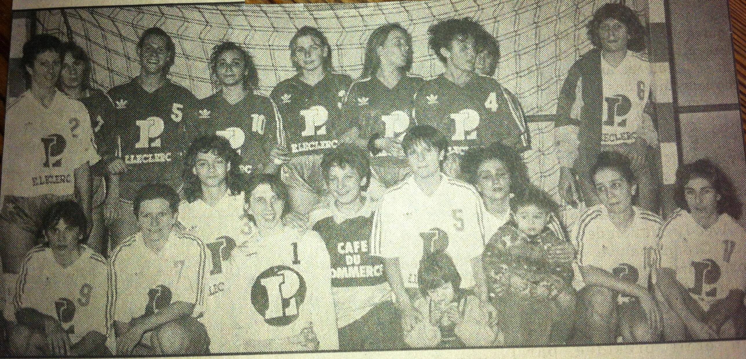 Equipe une Filles Apt Handball 1993